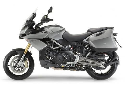 Aprilia Caponord 1200 in prova alla Superbike di Imola - Foto 4 di 5