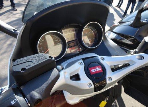 Aprilia SRV 850: prova su strada del maxi scooter sportivo di Noale - Foto 4 di 25