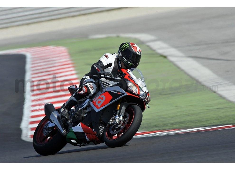 Aprilia RSV4 RR ed RF: Test Ride in pista a Misano