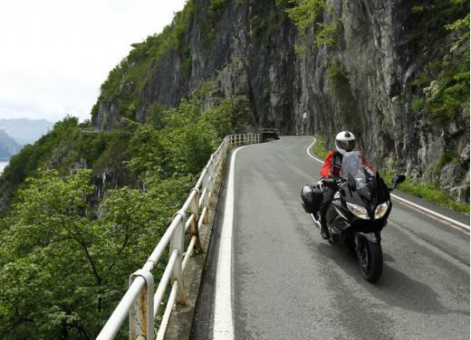 Yamaha FJR 1300 AS: sport tourer all'avanguardia