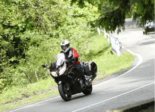 Yamaha FJR 1300 AS: sport tourer all'avanguardia - Foto 4 di 25
