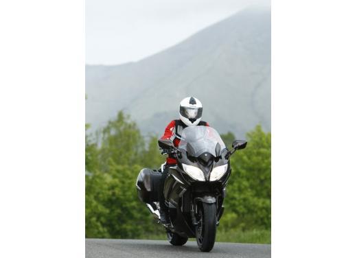 Yamaha FJR 1300 AS: sport tourer all'avanguardia - Foto 11 di 25
