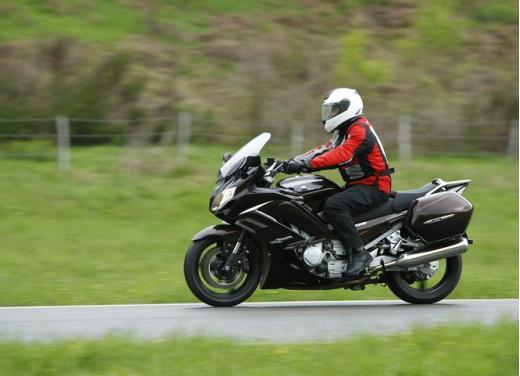Yamaha FJR 1300 AS: sport tourer all'avanguardia - Foto 13 di 25