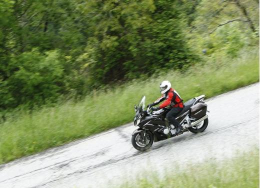 Yamaha FJR 1300 AS: sport tourer all'avanguardia - Foto 24 di 25