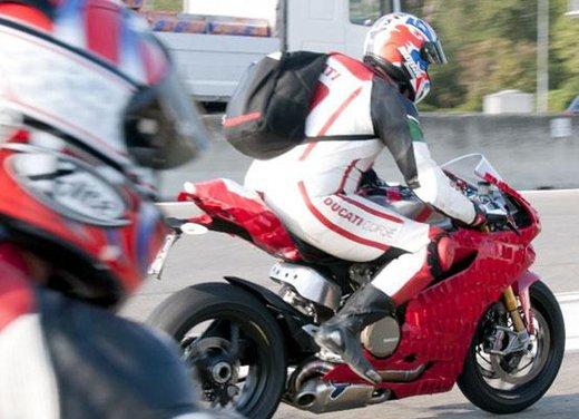 Ducati 1199 Panigale: foto spia della nuova superbike Ducati - Foto 5 di 13