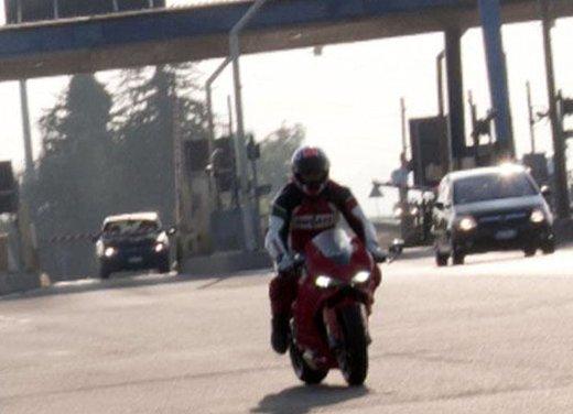 Ducati 1199 Panigale: foto spia della nuova superbike Ducati - Foto 8 di 13