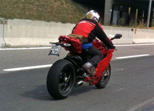 Ducati 1199 Panigale: foto spia della nuova superbike Ducati - Foto 12 di 13