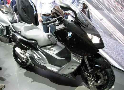 BMW C 600 Sport video ufficiale del maxi scooter sportivo BMW - Foto 10 di 81