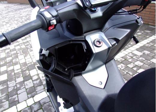 BMW C600 Sport: provato il maxy scooter tedesco - Foto 13 di 39