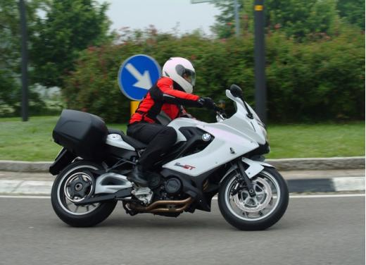 BMW F800GT: prova su strada - Foto 3 di 40