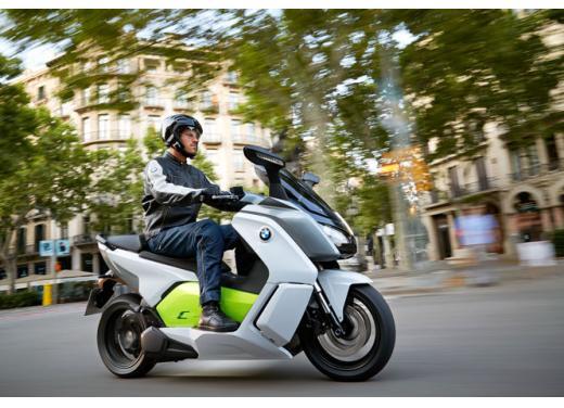 Bmw Motorrad aumento delle vendite a settembre 2013 - Foto  di