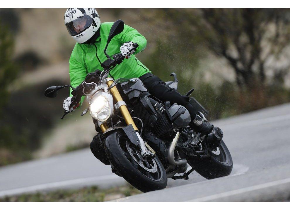BMW R 1200 R test ride, prestazioni e prezzi
