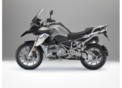 BMW R1200GS, la maxi enduro stradale è sempre leader del mercato moto 2013 - Foto 3 di 9