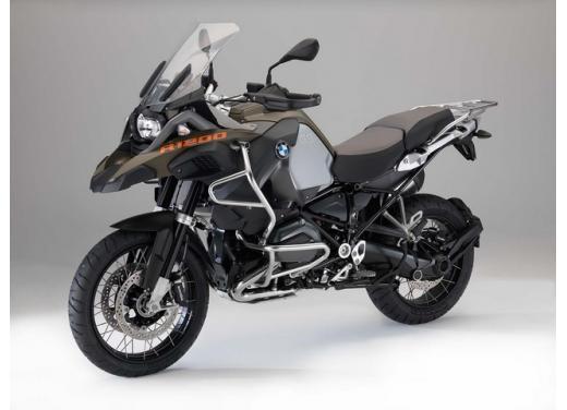 BMW R1200GS, la maxi enduro stradale è sempre leader del mercato moto 2013 - Foto 6 di 9
