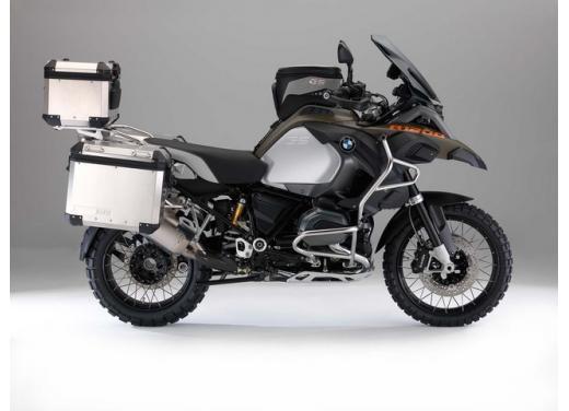 BMW R1200GS, la maxi enduro stradale è sempre leader del mercato moto 2013 - Foto 7 di 9