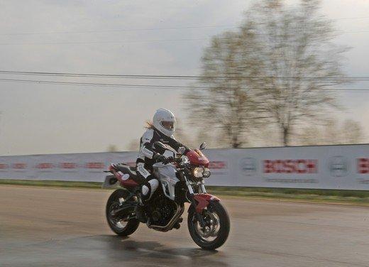 ABS Bosch, test ride del sistema antibloccaggio a Vairano - Foto 17 di 53