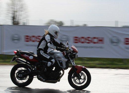 ABS Bosch, test ride del sistema antibloccaggio a Vairano - Foto 30 di 53