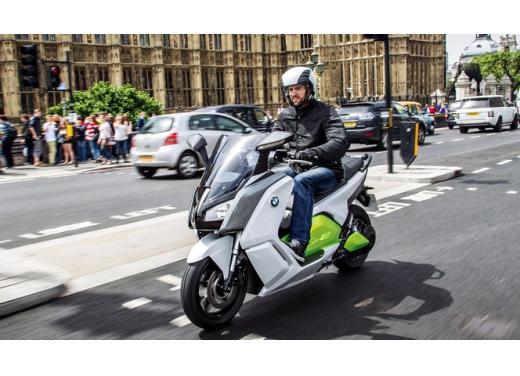 BMW C Evolution, lo scooter elettrico di BMW in versione definitiva - Foto 2 di 11