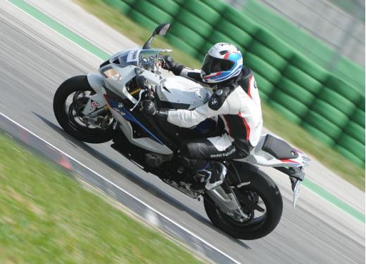 Corsi di guida in Moto con GuidarePilotare by BMW Motorrad Academy - Foto 11 di 13