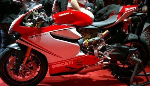 Ducati 1199 Panigale: foto spia della nuova superbike Ducati - Foto 2 di 13