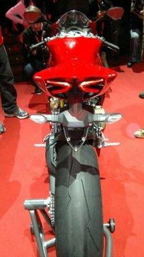 Ducati 1199 Panigale: foto spia della nuova superbike Ducati - Foto 3 di 13