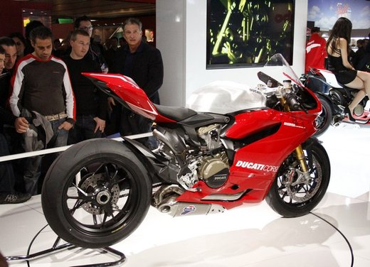 Ducati 1199 Panigale S e Troy Bayliss al Ducati Riding Experience 2012 - Foto 32 di 36