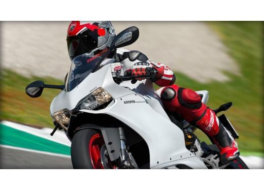 Ducati 899 Panigale: foto, prezzo e dati tecnici della nuova media sportiva - Foto 8 di 15