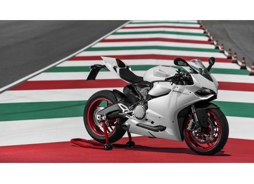 Ducati 899 Panigale: foto, prezzo e dati tecnici della nuova media sportiva - Foto 12 di 15