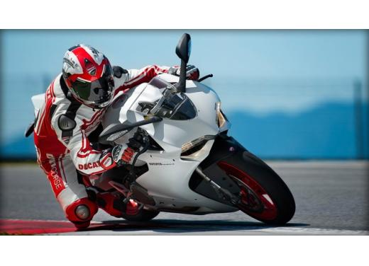 Ducati 899 Panigale: foto, prezzo e dati tecnici della nuova media sportiva - Foto 10 di 15