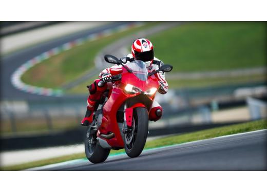 Ducati 899 Panigale: foto, prezzo e dati tecnici della nuova media sportiva - Foto 11 di 15