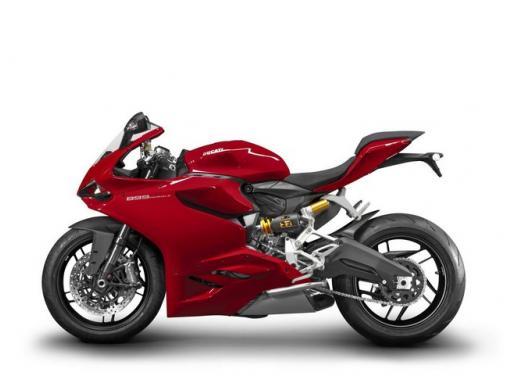 Ducati 899 Panigale: foto, prezzo e dati tecnici della nuova media sportiva - Foto 3 di 15