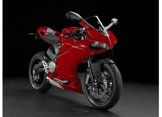 Ducati 899 Panigale: foto, prezzo e dati tecnici della nuova media sportiva - Foto 5 di 15