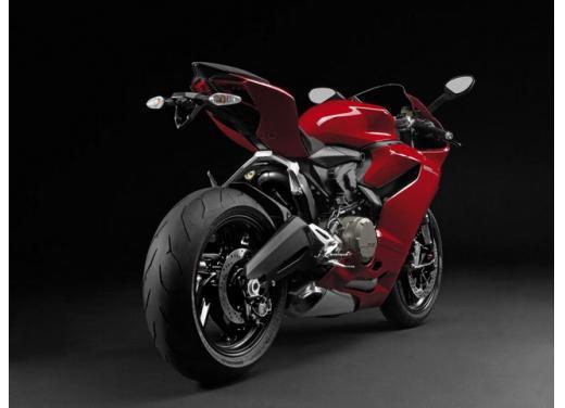 Ducati 899 Panigale: foto, prezzo e dati tecnici della nuova media sportiva - Foto 14 di 15