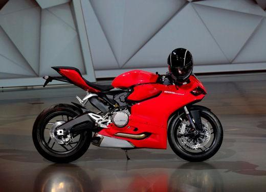 Ducati 899 Panigale: foto, prezzo e dati tecnici della nuova media sportiva