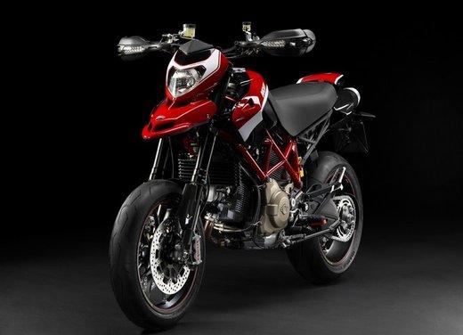 Ducati Hypermotard 848 prima foto spia - Foto 7 di 9