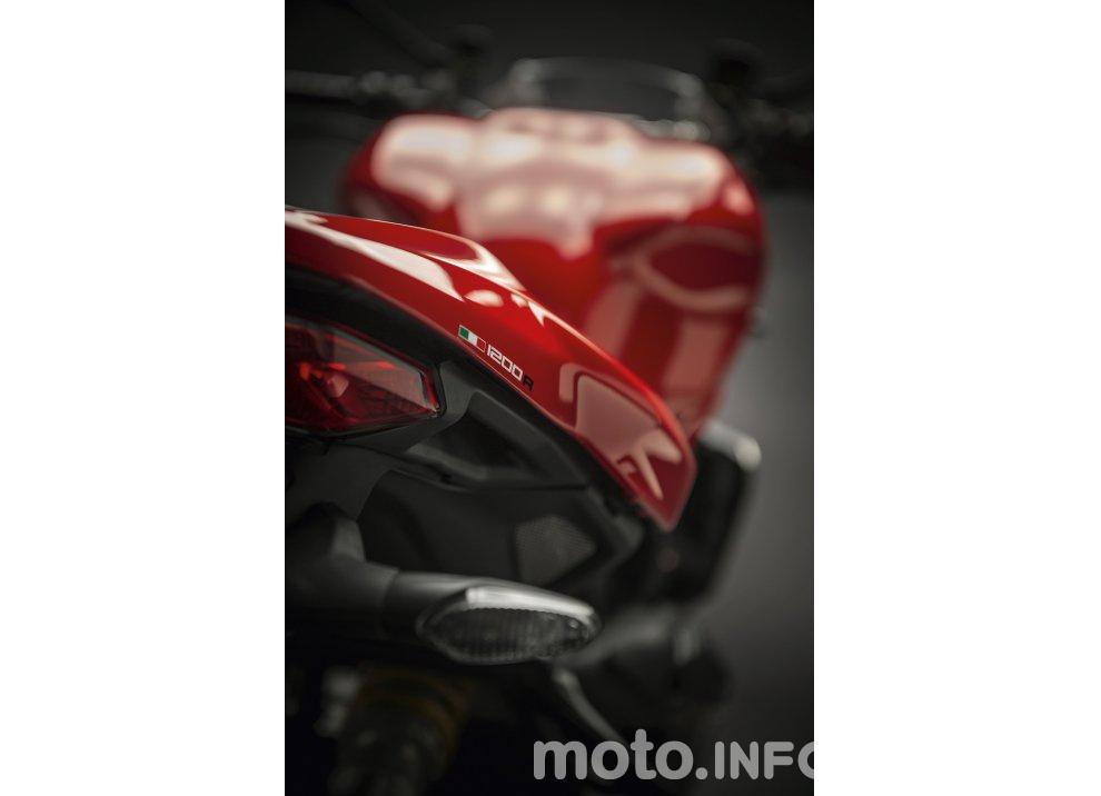 Ducati Monster 1200R: la più potente Ducati naked è Euro4 - Foto 31 di 59