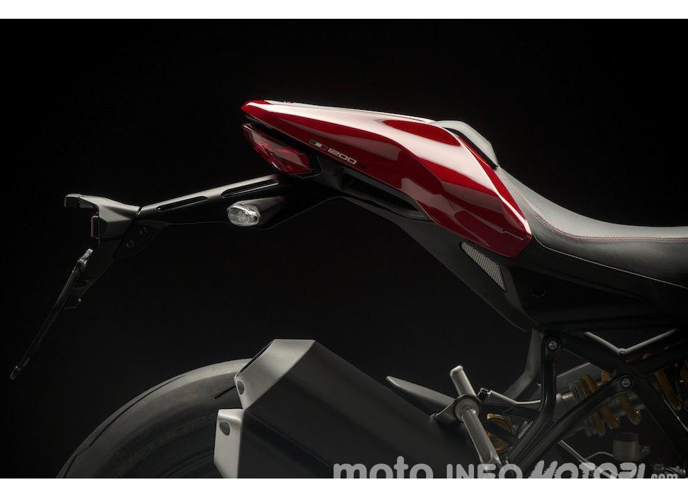 Ducati Monster 1200R: la più potente Ducati naked è Euro4 - Foto 32 di 59