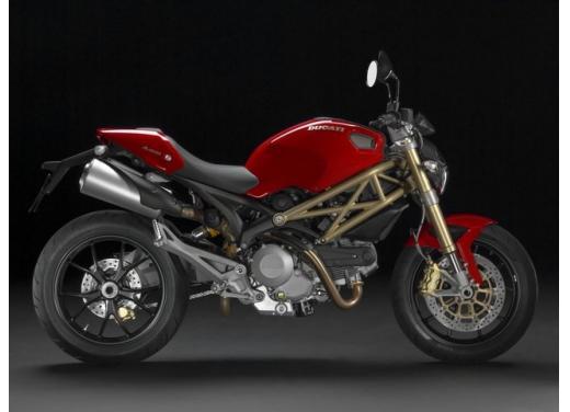 Ducati Monster 2014 al EICMA 2013 con il motore Testastretta 1198