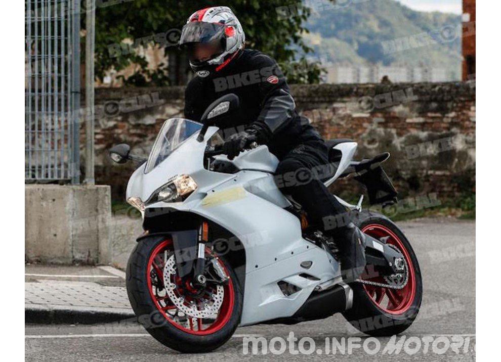 Ducati Panigale 959 2016, prime foto rubate