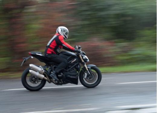 Ducati Streetfighter 848 prova su strada - Foto 6 di 27