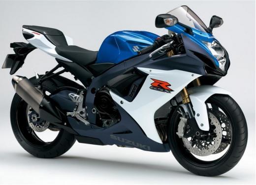 Enduro e supersportive Suzuki: aprile è il mese giusto - Foto 3 di 13