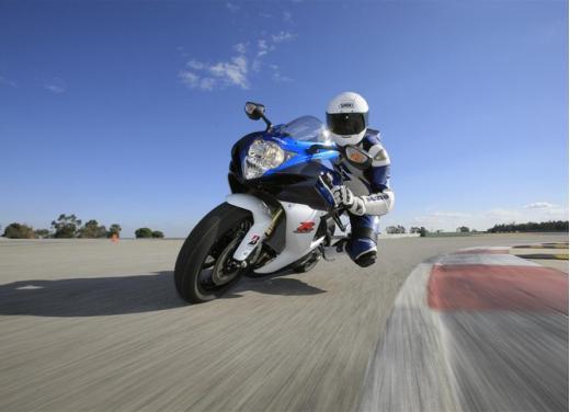 Enduro e supersportive Suzuki: aprile è il mese giusto - Foto 1 di 13