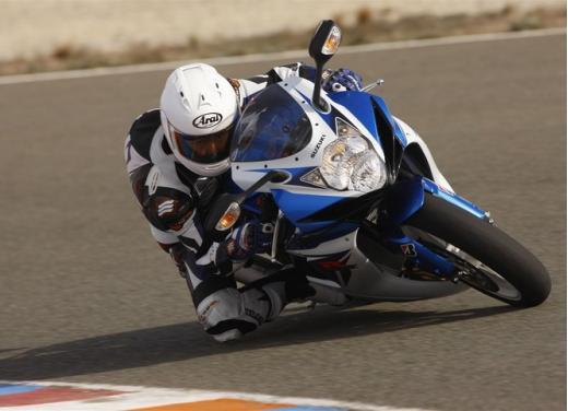 Enduro e supersportive Suzuki: aprile è il mese giusto - Foto 4 di 13