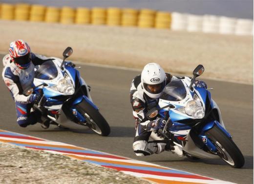 Enduro e supersportive Suzuki: aprile è il mese giusto - Foto 5 di 13