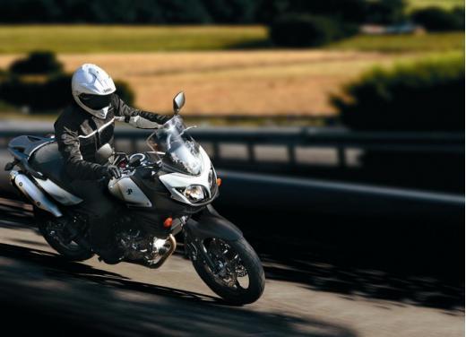 Enduro e supersportive Suzuki: aprile è il mese giusto - Foto 8 di 13