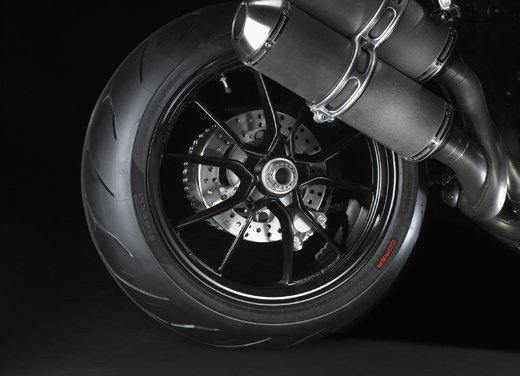 Provata la nuova Ducati Streetfighter 848 sul circuito di Modena - Foto 26 di 37