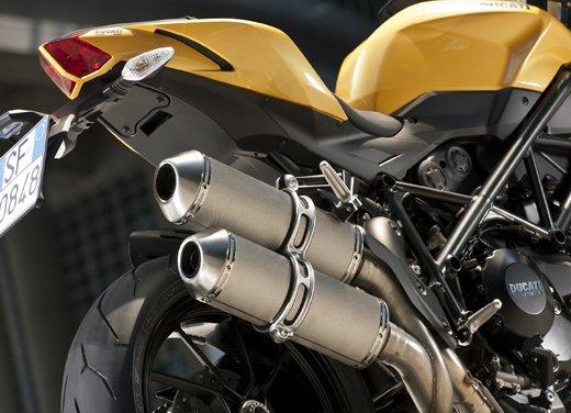 Provata la nuova Ducati Streetfighter 848 sul circuito di Modena - Foto 31 di 37