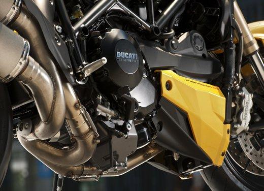 Provata la nuova Ducati Streetfighter 848 sul circuito di Modena - Foto 32 di 37