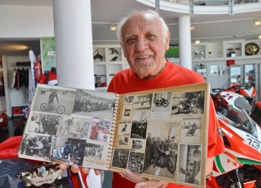 Ducati 1199 Panigale S per un rider di 85 anni - Foto 12 di 19