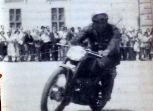Ducati 1199 Panigale S per un rider di 85 anni - Foto 18 di 19